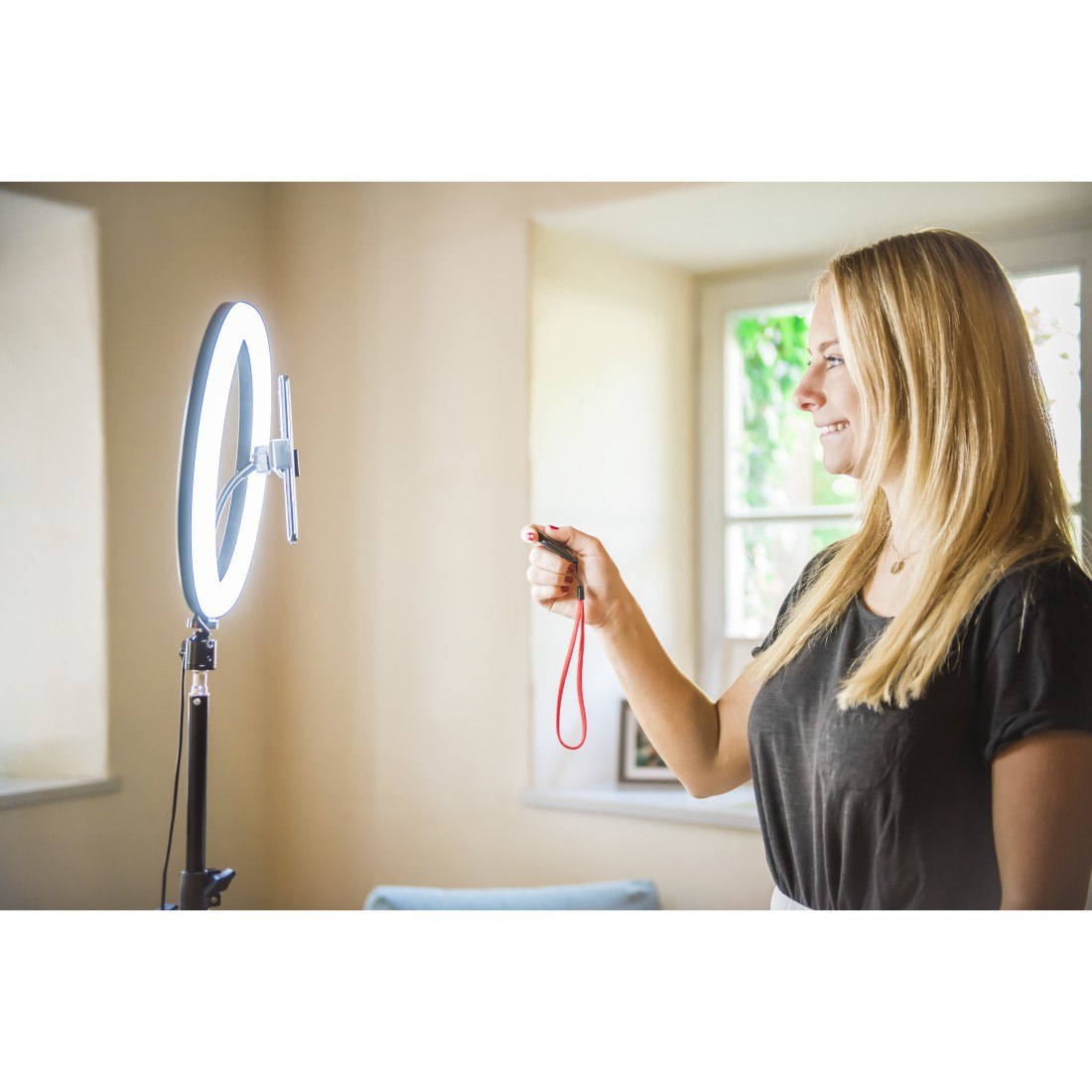 "awx13 Druckfähige Anwendung 13 - Hama, ""SpotLight Steady 120"" LED Ring Light, Set for Smartphone, Tripod, 12"""
