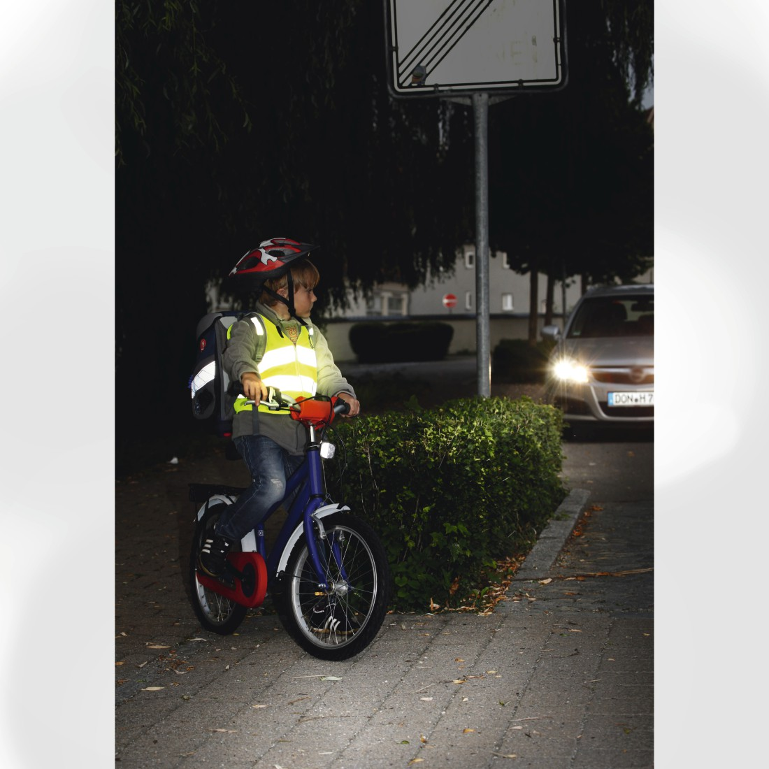 "awx3 High-Res Appliance 3 - Hama, ""Automotive"" Children's Safety Vest, neon yellow"